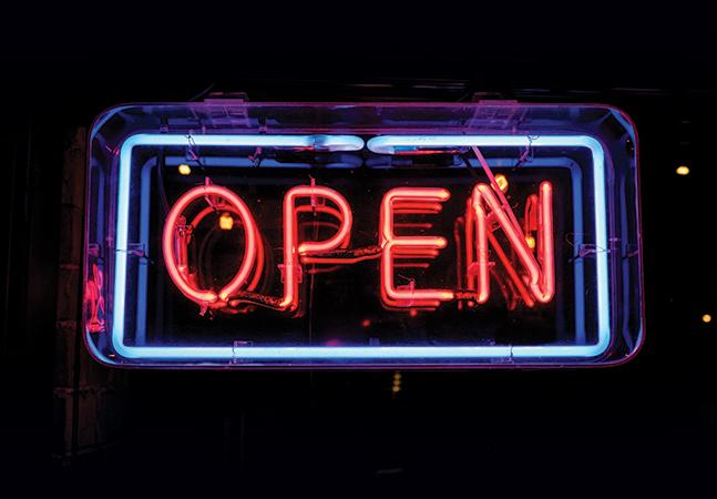 Open but Not Equal: Microsoft SQL Server 2016 vNext for Linux