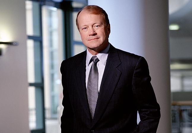 Cisco CEO Chambers To Step Down -- Redmondmag.com